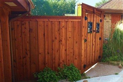 fence-staining-matthews-nc